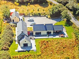 Kilcomine House Durrus, Co.Cork - 6 Bed -Sleeps 12