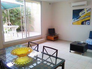 Charming apartment close to beach and marina