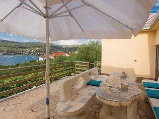 2 bedroom Villa in Vinišće, Splitsko-Dalmatinska Županija, Croatia : ref 5543895