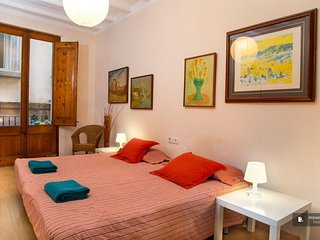 Charming 3 bedroom House in Barcelona