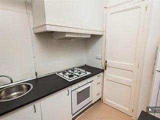Splendid 4 bedroom Apartment in Barcelona (F8622)