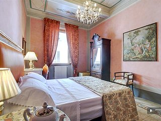 Superb 5 bedroom Apartment in Florence  (FC1782)