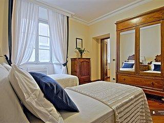 Splendid 3 bedroom Apartment in Rome  (FC2366)