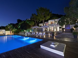 6 bedroom Villa in Playa de Talamanca, Balearic Islands, Spain : ref 5626396