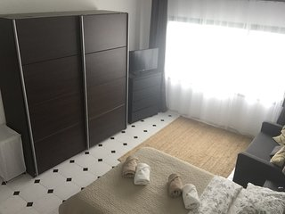 Large Room, great for female travelers or couples.