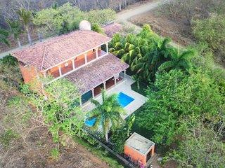 Long-term discounts: oceanview resort estate w/ private pool, beach access!
