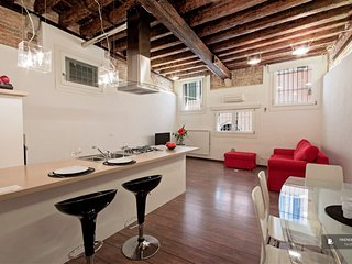 Charming 3 bedroom Apartment in Venice  (FC9968)