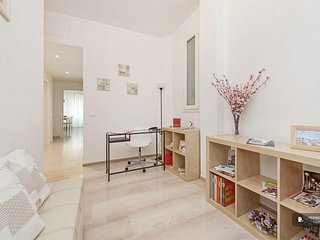 Charming 4 bedroom Apartment in Rome  (FC1740)