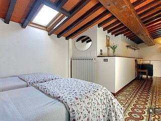 Lovely 3 bedroom Apartment in Florence  (FC5866)