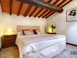 Lovely 2 bedroom House in Firenze  (F2856)