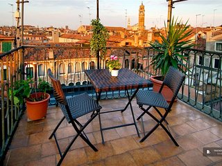 Stunning 3 bedroom Apartment in Venice  (FC9832)