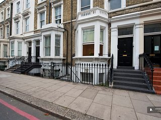 Excellent 3 bedroom House in Londres