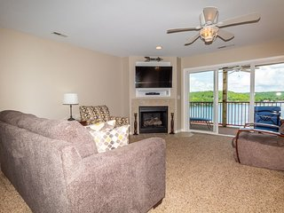 Clearwater 773-2B - 2 Bedroom -Second Tier Condo in Camdenton