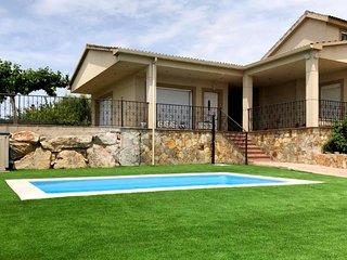 Magnifica Villa en Sils para 8 - 10  adultos y un bebe con piscina privada