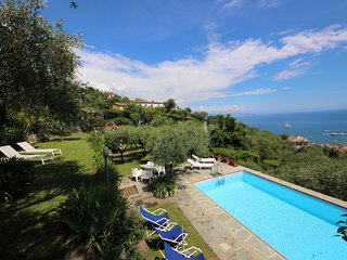 VILLA SPLENDID by KlabHouse-7BR w/Pool Terrace