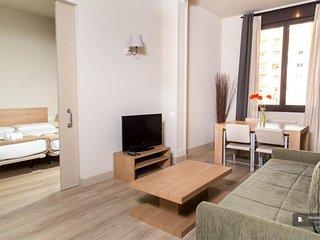 Sparkling 2 bedroom Apartment in Barcelona (F7380)