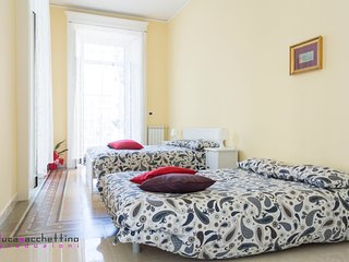 Apartment Beatrice For 4/6 guests in the center of Naples