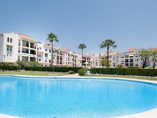 27683-MODERN APARTMENT NEAR PUERTO BANUS