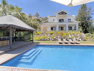 27175-Luxury Villa with heated pool