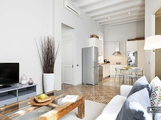 Magnificent 2 bedroom Apartment in Barcelona  (F5823)