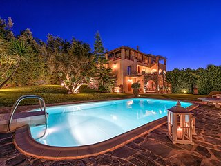 Bozonos Luxury Villa