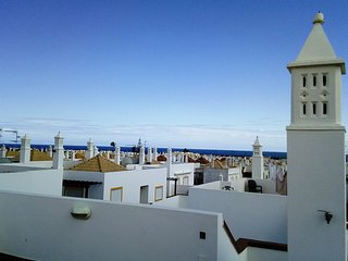 Top floor, double terrace and sea view, free Wifi
