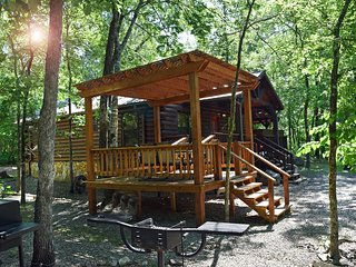 Secluded Chillin' Cabin in Beavers Bend