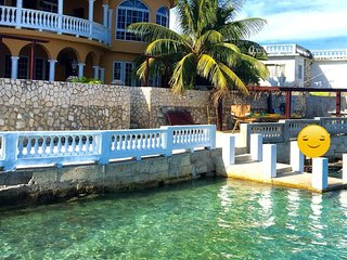 Waters Edge - The Caribbean sea at your feet