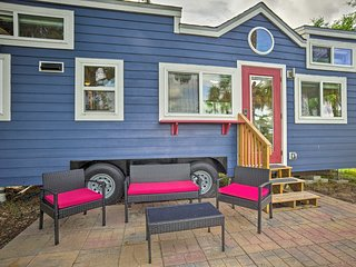 Waterfront Tiny House w/ Golf Cart-2 Mi to Beach!