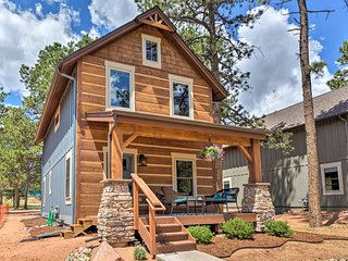 NEW! Woodland Park Cabin - Walk to Attractions!