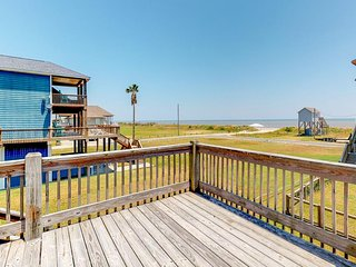 Oceanview seaside home with huge deck and easy beach access
