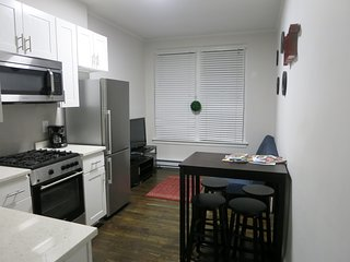 Modern 2 Bed Boston Center - Next to Prudential