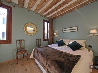 Exquisit 2 bedroom Apartment in Venezia