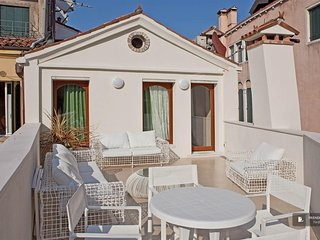 Lovely 3 bedroom Apartment in Venezia
