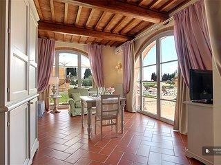 Splendid 1 bedroom House in Florencia  (F4713)