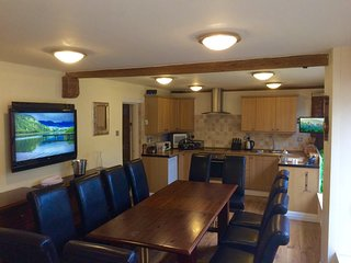 Beautiful & friendly very hi-spec barn conversion with large hot tub & fire pit.