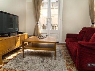 Exquisit 5 bedroom Apartment in Barcelona (F8862)