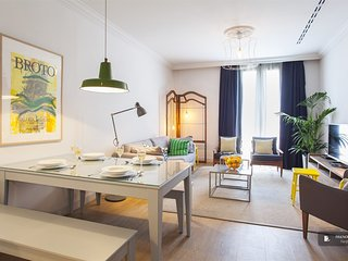 Sparkling 4 bedroom House in Barcelona