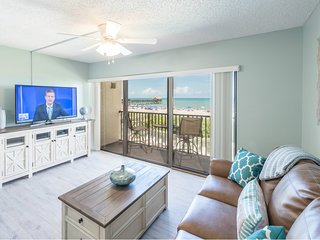 Beautiful Direct Oceanfront Views - Next to Pier - Fully Renovated