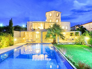 CRETAN MANSION with Heated Swimming Pool