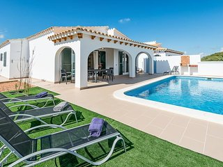 Punta Grossa Villa Sleeps 6 with Pool Air Con and WiFi - 5334759