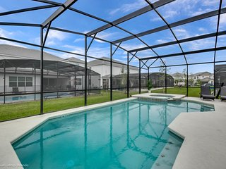 Luxury Estate 10 bedroom Near Everything & Disney