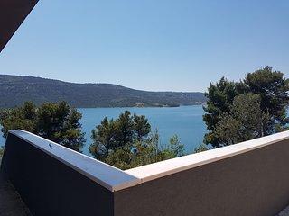 Luxury 4 Stars Villa Regina with swimming-pool and sea view