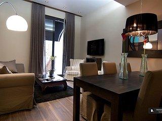 Splendid 5 bedroom Apartment in Barcelona (FC8634)