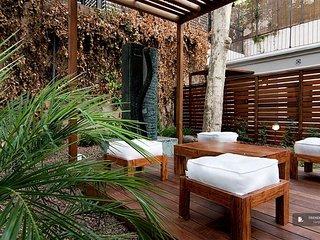 Lovely 4 bedroom Apartment in Barcelona (FC0681)