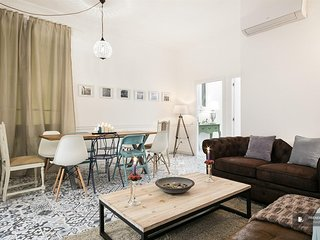Magnificent 5 bedroom Apartment in Barcelona (F6386)