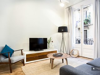 Stunning 5 bedroom Apartment in Barcelona (F3995)