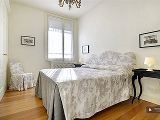 Splendid 4 bedroom Apartment in Florence  (FC3541)