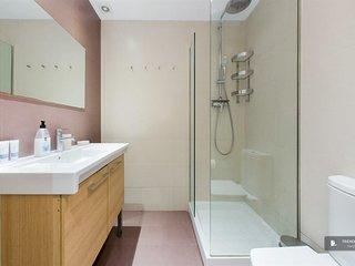 Excellent 5 bedroom Apartment in Barcelona
