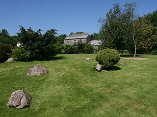 Torr House Cottages - Hollyhock (sleeps 6)
